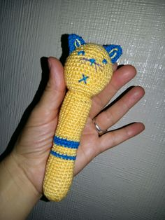 Sonajero de crochet para Martín y Miguel realizado por la abuela Mari