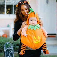pin for later 42 adorable halloween costumes for baby wearing parents pumpkin