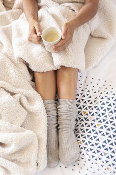 Sa douceur et sa chaleur vous réconforteront lors des soirées d'hiver les plus froides. Lima, High Socks, Fashion, Gentleness, Fall Winter, Moda, Limes, Thigh High Socks, Fashion Styles