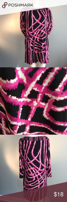 "Albania Magenta and Black Mini Dress/Tunic Easy care with 95% poly/ 5% spandex content this could be worn as a mini dress or over leggings as a tunic. Cool but subtle stud detail around collar. Measures 33"" long, bust is 38"". Alfani Dresses Mini"