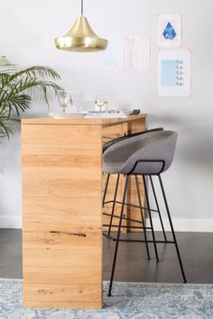 Zuiver Feston counter stool + barstool are multi deployable. Feston comes in three heights, a grey fabric version and two fabulous PU-leather colours. Scandinavian Kitchen, Scandinavian Interior, Metal Chairs, Bar Chairs, Room Chairs, Dining Chairs, Küchen Design, Floor Design, Galley Kitchen Design