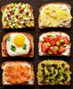 トーストしたパンに具材を乗っけて食べるだけ、海外サイト『BuzzFeed』に掲載されていた、超カンタン21種の朝食サンドメニュー