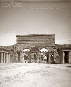Porta Maggiore 1900 ca. Best Cities In Europe, Roman History, War Photography, Vintage Italy, Lost City, Bucharest, Ancient Rome, Illustrations And Posters, Roman Empire