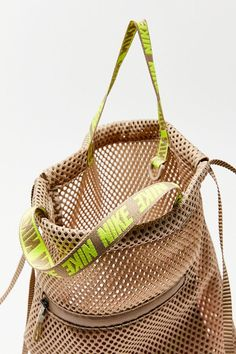 Shop Urban Outfitters for the latest styles in women's bags, wallets & backpacks. Whether you need a going out clutch, or an everyday tote we've got it all. Big Tote Bags, Backpack Bags, Women's Bags, Big Backpacks, Sporty Girls, Designer Backpacks, Quilted Bag, Green Bag, Wallets For Women