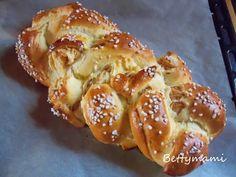 Almás fonott kalács – Betty hobbi konyhája Bread Rolls, Yams, Pretzel Bites, Bread Recipes, French Toast, Food And Drink, Sweets, Cookies, Baking