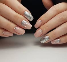 Nail art designs appear to be troublesome, yet it looks very hot. Will I have the option to draw a nail design on my nails someday by myself or another or I need to visit some expert Nail design? Popular Nail Designs, Best Nail Art Designs, Nailed It, Pretty Nail Art, Super Nails, Glitter Nail Art, Silver Glitter, Gorgeous Nails, Perfect Nails