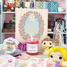 Are you as ready for the holidays as we are? The Princesses sure are!   Christmas Belle is Christmas in a jar - and one of our best candles ever - with bright Mistletoe Christmas trees sweet snow and subtle sugar!  SALE INFO ANNOUNCED TOMORROW!!  Gorgeous photo from @oasisgirlmd whose beautiful pictures always make me happy!     #anthologycandles #disneylove #disneymagic #disneygram #disneygrammer #igreads #bookstagram #booklovers #bookstagrammer #bibliophile #bookworm #booknerd #belle…