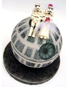 Starwars Wedding cake!! SO AWESOME!!!!