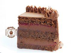 Layer cake chocolat framboise Molly Cake Chocolat, Chiffon Cake, Caramel, Sweet Treats, Deserts, Food Porn, Dessert Recipes, Cookies, Chocolate