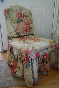 floral chair...this would make a really nice chair for a sewing room...or office chair