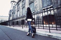 Perfecto-vintage-Slim-Joe's-Jeans-Escarpins-Christian-Louboutin-Sac-Louis-Vuitton  www.the-black-feather.com