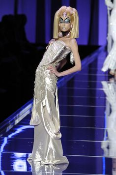 John Galliano for The House of Dior, Spring/Summer Haute Couture Galliano Dior, John Galliano, Egypt Fashion, Dior Haute Couture, Christian Dior, Runway, Spring Summer, Formal Dresses, Space Age