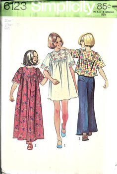 Vintage 1973 Simplicity pattern for a girls hippie dress in two lengths or top. Dress/top has back zipper, front and back gathered to yoke, and short kimono sleeves gathered to yoke. Ankle length, mini length, or shirt length. Pattern is uncut. The instructions and all pieces are present. The envelope has minor wear and some age-related discoloration.  Size 7  Chest 26 inches (66 cm)  Waist 23 inches (58.5 cm)  Hip 27 inches (68.5 cm)  Thanks for visiting my crafts shop! I pride myself o...