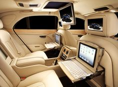 Conceitual Bentley Mulsanne Executive mostra os aparatos tecnológicos que podem ser integrados aos veículos nos próximos anos.