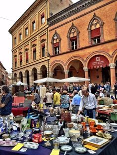 The antique market on Piazza Santo Stefano in Bologna.The magic of Bologna in photos