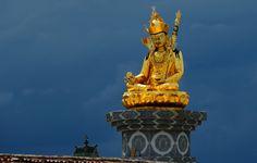 Padmasambhava statue of Tsigortang, Tibet 2014 | by reurinkjan