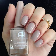 Ana Hickmann coffee shop esmalte