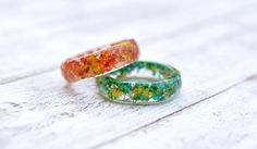 Stackable Resin Ring With Tiny Colorful Flowers - Thin Faceted Band Ring - Resin Stacking Ring - Minimal Resin Jewelry