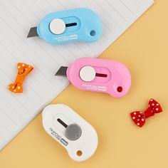 1 pz Carino Colore Solido Mini Portatile Utility Knife Taglierina di Carta di Taglio Carta Lama di Rasoio Ufficio di Cancelleria Papelaria Escolar