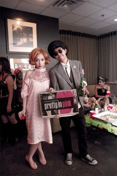 This Pretty In Pink couples-costume KILLS ME.