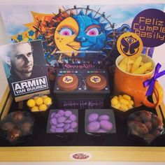 Hoy cumple años Basily...y su gran deseo es ir a Tomorrowland #minicandy #gift #dj #tomorrowland #birthday #house #electronica #music