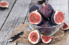 Want to know which fruits have the most sugar? Or which fruits are the most nutritious? We have a list of the 10 best and the 10 worst fruits for Figs For Weight Loss, Lose Weight, No Dairy Recipes, Low Calorie Recipes, Health Benefits Of Figs, Bacon Wrapped Figs, Fiber Rich Foods, Fig Jam, Fresh Figs