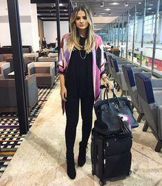 """""""Pretinho básico para vôos longos, ✔️! #airportstyle #BTviaja #ootd…"""