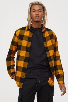 Plaid shirt in soft cotton flannel. Turn-down collar, classic button placket, yoke at back, and two open chest pockets. Yellow Flannel, Flannel Shirt Outfits, Flannel Shirts, Fashion Company, Yellow Black, Black Men, Cool Outfits, Street Wear, Menswear