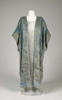 Delphos dress and wrap by Fortuny ca. 1925