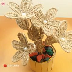 Jute Flowers, Paper Flowers Craft, Paper Crafts Origami, Flower Crafts, Diy Flowers, Fabric Flowers, Diy Crafts Hacks, Diy Crafts For Gifts, Creative Crafts
