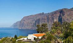Acantilados de Los Gigantes - Top 10 Incredible Sea Cliffs in the World http://www.traveloompa.com/top-10-incredible-sea-cliffs-in-the-world/