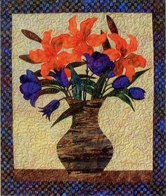 Tiger Lily Flower Bouquet Laundry Basket Applique Quilt Pattern #LaundryBasketQuilts #Applique