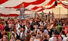 """Groupon - 2 Sitzplatz-Karten für die Mädchensitzung """"Nümaats Wiever"""" am 11.01. der Karnevalsgesellschaft Alt Köllen (50% sparen*) in Festzelt auf dem Neumarkt. Groupon Angebotspreis: 20€"""