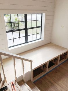 Improvement DIY Closet Tips Improvement For Renters Color Schemes Window Seat Design, Sunroom Seating, Diy Window, Storage Bench Seating, Minimalist Home Interior, Home Office Decor, Window Storage Bench, Minimalist Home, Diy Storage Bench