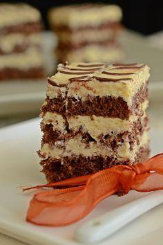 Retete culinare, mancaruri, torturi, prajituri. Sweets Recipes, Baking Recipes, Cake Recipes, Chocolate Pastry, Love Chocolate, Homemade Sweets, Almond Cookies, Nutella, Deserts