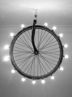 Una lámpara con alma de ciclista.