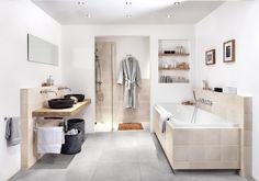 Naturel, dat is het woord wat het beste past bij Brugman badkamer Romance met een  landelijke ambiance door het gebruik van houtelementen in alle accessoires. De Brugman Romance ademt niet alleen een fijne sfeer, maar is ook van alle gemakken voorzien. Smaakvol opgelegde wastafels, ruim ligbad en een hele fijne inloopdouche. Een ideale badkamer voor ieder stel of gezin. // Brugman Keukens & Badkamers @ Villa ArenA