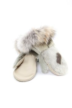 Mitaines de luxe loup-marin naturel et coyote / Deluxe natural seal mittens wit coyote fur trim
