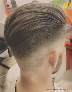 How to get taper fade haircut for men. Latest low fade haircut trends for African american black men & taper fade pictures for inspiration. Mens Hairstyles Fade, Hairstyles Haircuts, Modern Hairstyles, Cool Haircuts, Haircuts For Men, Hair And Beard Styles, Short Hair Styles, Hair Toupee, Faded Hair
