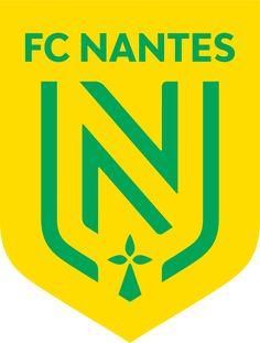 French Football League, Major League Soccer, Fc Nantes, Soccer Logo, Soccer Teams, Soccer Kits, Professional Football, Uefa Champions League, Football Shirts