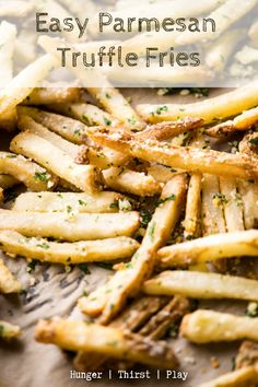 Restaurant style truffles fries are so easy to make! Baked shoestring fries tossed with truffle oil, parmesan and parsley are the perfect pairing for your favorite burgers and sandwiches. # Food and Drink pairing Easy Parmesan Truffle Fries Truffle Pasta, Truffle Recipe, Recipes With Truffle Oil, Truffle Food, Truffle Sauce, Truffle Butter, White Truffle, New Recipes, Cooking Recipes