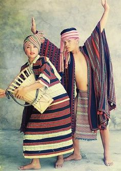 """The Ibaloi are the highlanders of Benguet and the city of Baguio. The Ibalois are collectively known as """"Igorot"""". They traditionally live by cultivating rice and agriculture. Tribal Outfit, Tribal Costume, Folk Costume, Philippines Outfit, Philippines Culture, Barong Tagalog, Filipino Tribal, Filipino Art, Vietnam"""