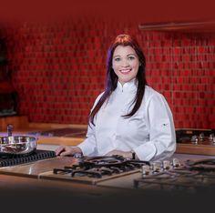 """¿Te gustaría aprender a preparar este menú? - Zumo de zanahoria y uvas - Mojito Espumante - Salmón en salsa de alcaparra - Pechugas de pollo rellenas de esparrago - Brócoli con camarones a la crema Este miércoles 28 en Vitros de 5:30 pm a 7:30 pm ven a compartir una clase de """"Cocina para el Alma"""" impartido por la Chef Rosanna Ovalles. Te esperamos... Reserva al: 809-541-1484 / 809-621- 3336 Hostelería News Los vinos de nuestros cursos son cortesía de Cava Alta"""