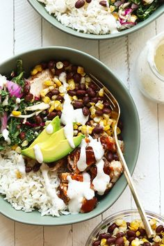 Make these bbq chicken bowls for a healthy dinner this week! You can't go wrong with grilled corn, black beans, a delicious slaw, and some bbq chicken! Healthy Weeknight Dinners, Healthy Grilling Recipes, Healthy Snacks, Healthy Eating, Healthy Dishes, Veggie Recipes, Free Recipes, Grilled Steak Recipes, Grilled Chicken Recipes