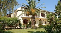 Hotel Milton, Roda, Corfu, Grecia Roda Corfu, Corfu Greece, Creta, Mansions, House Styles, Holiday, Home, Vacations, Manor Houses