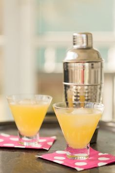 Marguerite cocktail - so easy and refreshing with fresh orange juice, lemon juice, and vodka!  www.greyisthenewblack.com