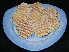 Reteta culinara Faguri cu fineti din categoria Prajituri. Cum sa faci Faguri cu fineti Waffles, Bread, Candy, Cookies, Breakfast, Food, Crack Crackers, Morning Coffee, Brot