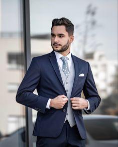 Tmavomodrý oblek je jemnejšia verzia čierneho obleku, takže by vám určite nemal chýbať ani ten 👌🏼 Mens Suits, Suit Jacket, Breast, Fit, Jackets, Collection, Style, Fashion, Dress Suits For Men