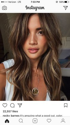 long hair with layers Trendfrisuren Chad, akkurater Mittelscheitel oder People from france Cut Kick Medium Hair Styles, Curly Hair Styles, Medium Hair With Layers, Hair Medium, Long Hair Cuts, Layered Long Hair, Side Bangs Long Hair, Haircut Long Hair, Summer Hair