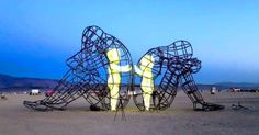 17modern sculptures you will fall inlove with